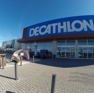 \The Decathlon, in Faro, where I bought my biking gloves. \