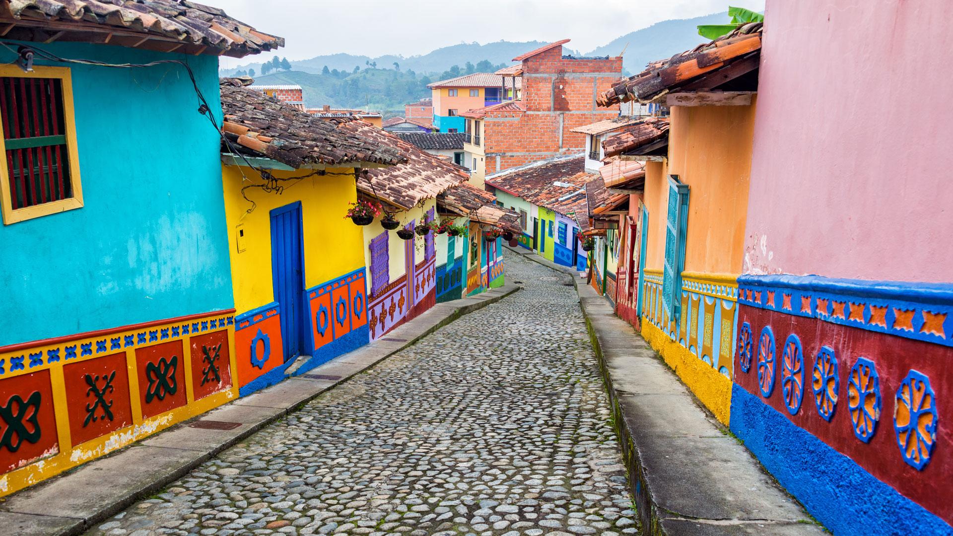 lone_rucksack_courses_muay_thai_medellin_colombia-guatape-3